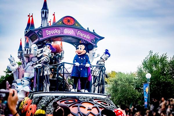 ディズニーハロウィンパレード スプーキーブーが楽しい!