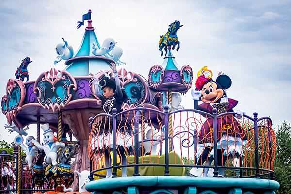 ディズニーハロウィンパレード スプーキーブー