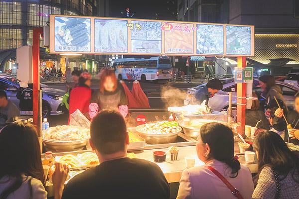 明洞『座って食べる韓国屋台』