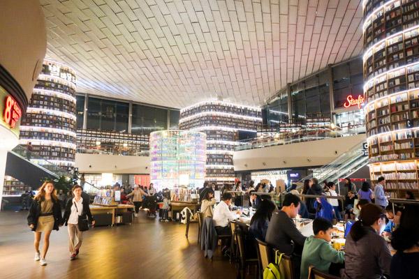韓国で話題!フォトジェニック図書館 STARFIELD LIBRARY2