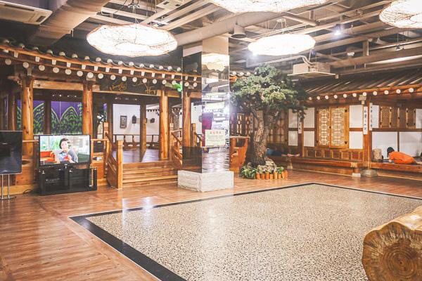 休憩所は韓国のレトロな装飾が素敵
