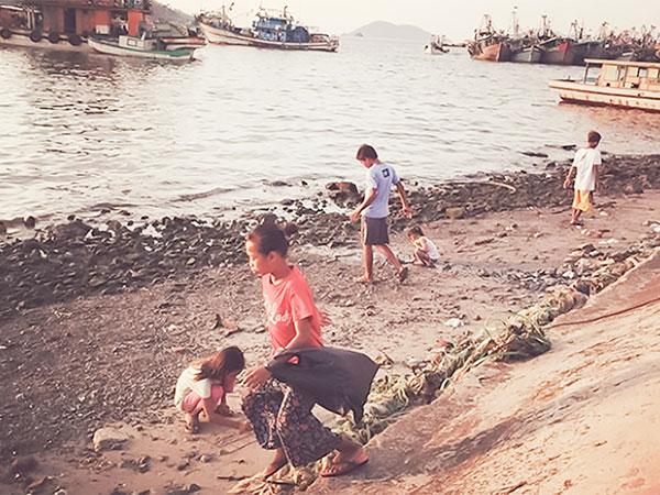 コタキナバルの子供たち