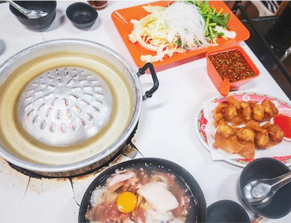 鍋は2種類(1つ300THB)
