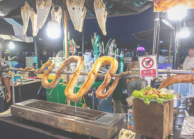 アジアティーク・珍味屋・蛇