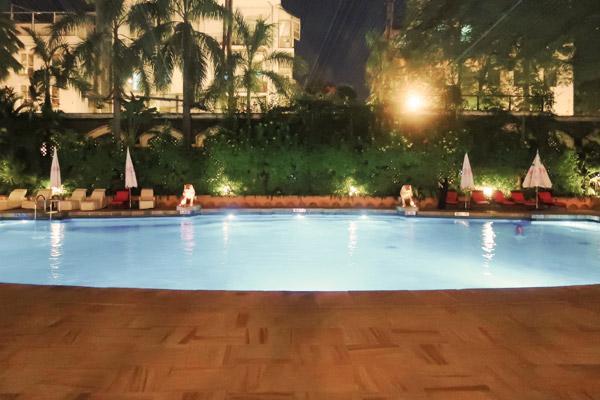 タージマハルホテル 屋外プール