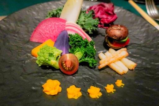新鮮な生野菜&バーニャカウダ