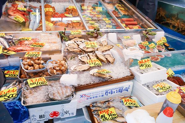 食べ歩きに◎斎藤水産2号店