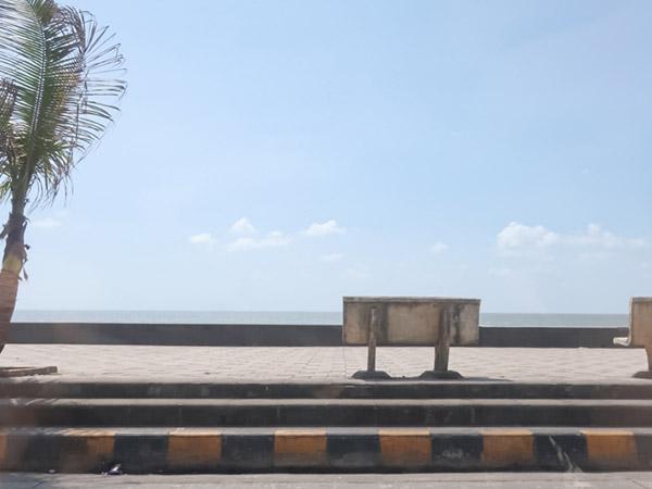 ムンバイの海岸線