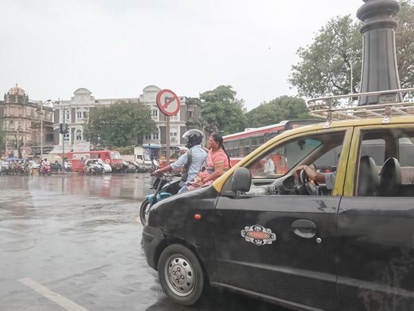 ムンバイタクシー