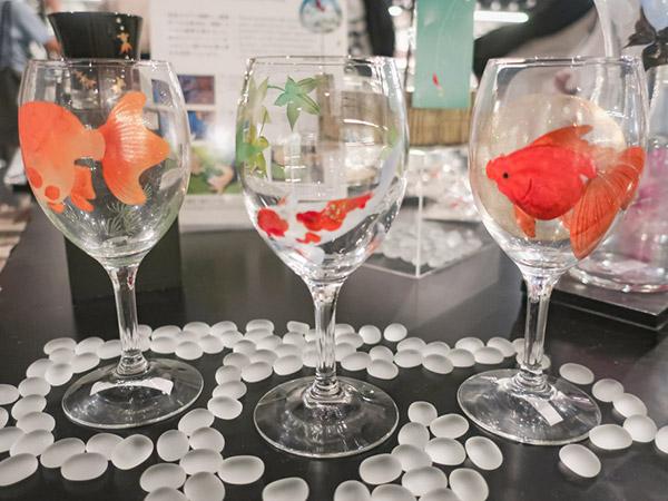 アートアクアリウム美術館金魚モチーフの食器土産ワイングラス