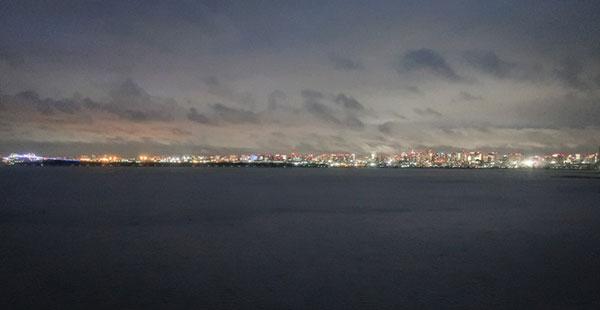 セレブリオオーシャン夜の眺め