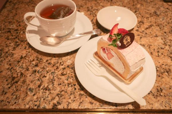 ホテルニューグランドロールケーキ
