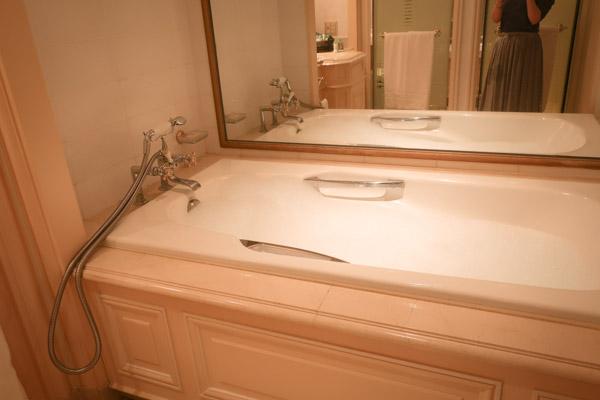 ホテルニューグランドプルミエスイートお風呂
