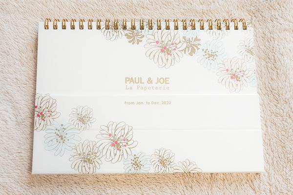 【ポールアンドジョー】の卓上カレンダー