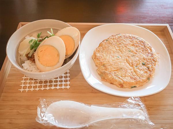 嬉嬉豆漿キキトウジャン魯肉飯ルーローハン