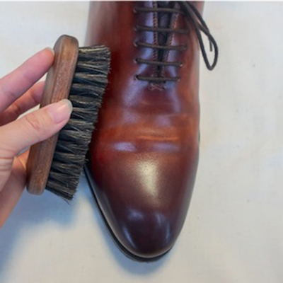 革靴ホコリの落とし方